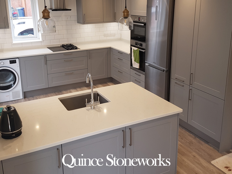 Bianco Quartz Worktop with Mid Grey Units