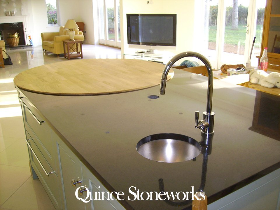 Quartz sink surface